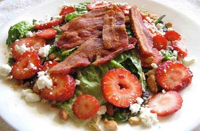 Bacon strawberry salad