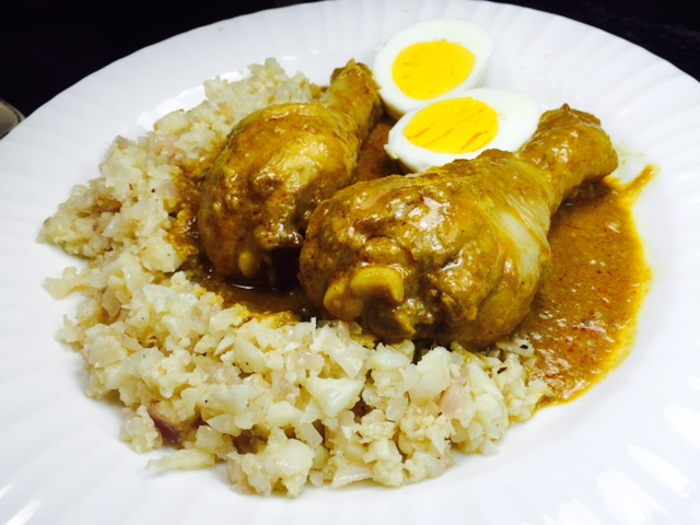 Coconut curry chicken over cauli rice