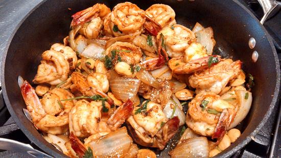 Marcona-butter-jumbo-prawn-in-pan550x309