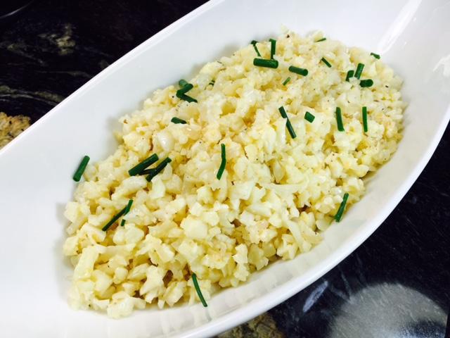 Garlic fried cauli rice