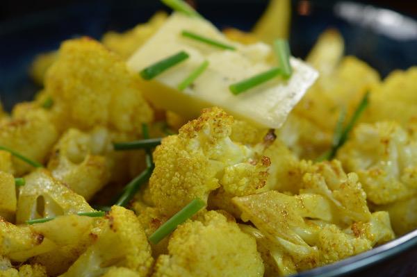 Spiced cauliflower bowl4-600x399