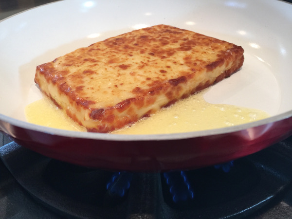 Grilled cheese in pan butter600x450